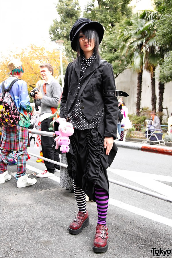 http://kojikistreetfashion.files.wordpress.com/2011/12/harajuku-fashion-walk-7-067-600x900.jpg?w=600